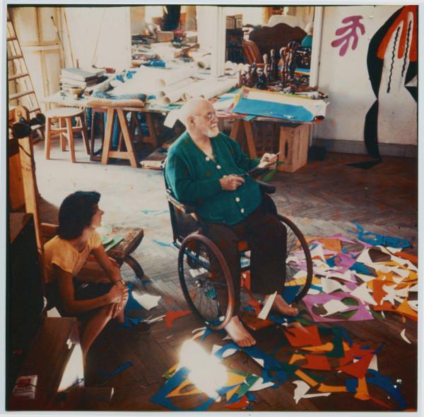 Henri Matisse (1869 -1964) Henri Matisse in his studio Photographer: Lydia Delectorskaya © Succession Henri Matisse